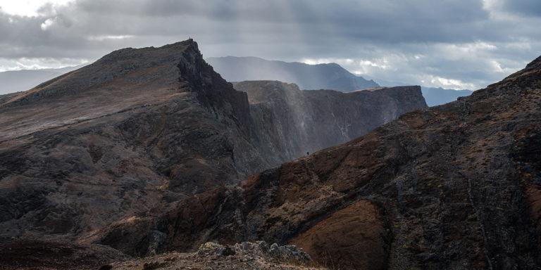 Leinwandbild - Felsige Vulkanlandschaft auf Madeira