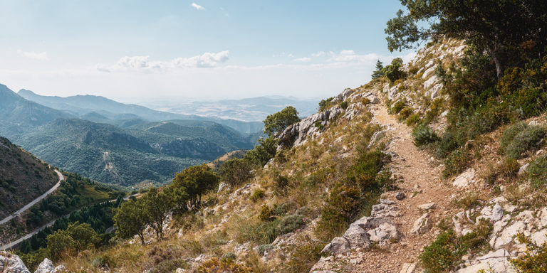 Leinwandbild - Bergpfad in Andalusien