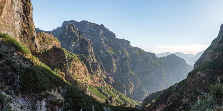 Leinwandbild - Felsenlandschaft auf Madeira