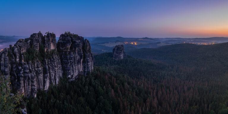 Leinwandbild - Morgenröte an den Schrammsteinen